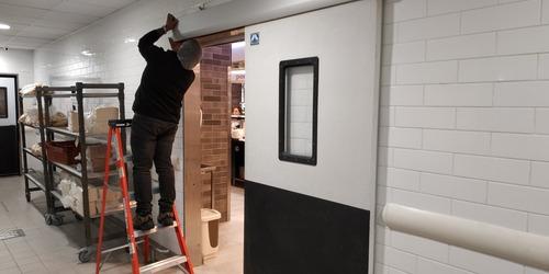 mantención e instalación de puertas automaticas