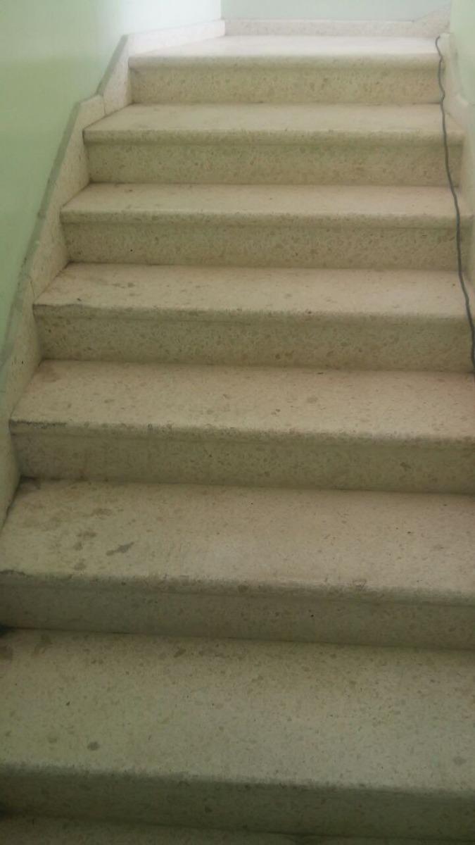 Mantenimiento de escaleras en pisos de granito 809 273 for Escaleras de granito precios