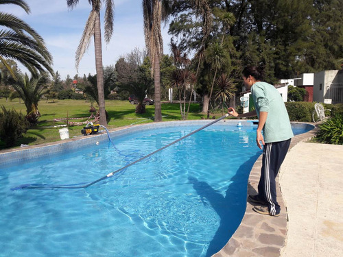 mantenimiento piscinas-limpieza-pintura-construccion