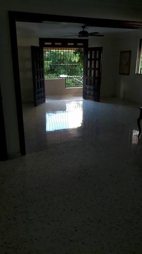 mantenimiento y limpieza de pisos en rd 809-273-7599