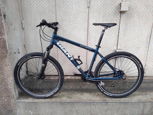 mantenimiento y reparación de bicicletas.