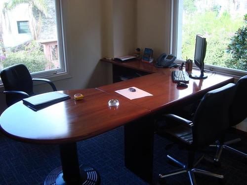 mantenimiento y reparacion de oficinas.muebles y sillas.