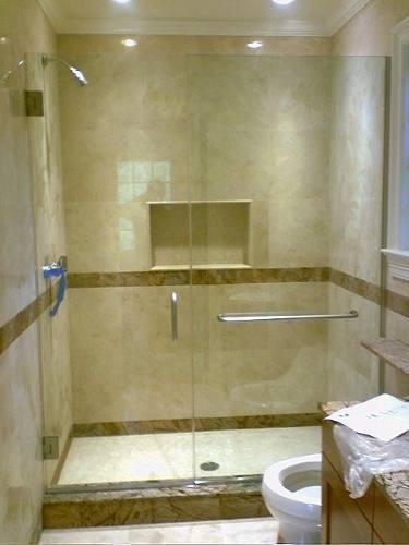 mantenimiento y reparación de puertas de baño y ventanas