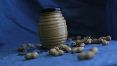 mantequilla de mani y mostaza casera, artesanal