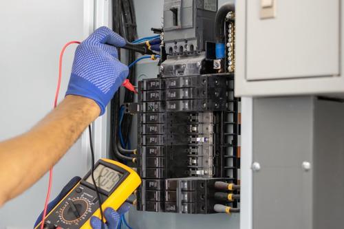 manutenção de nobreaks de pequeno, médio e grande porte