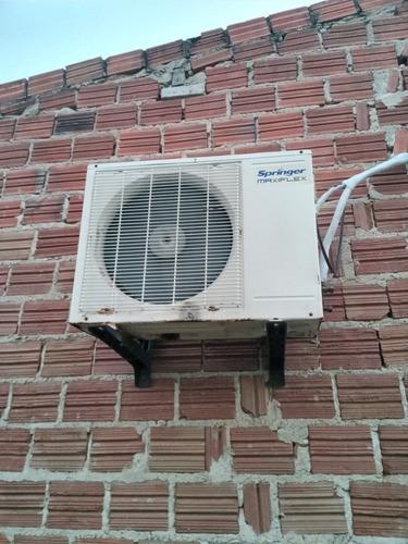 manutenção e escalação de ar condicionados