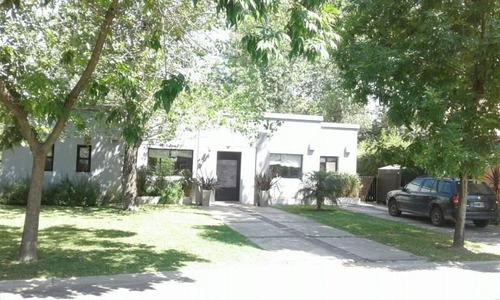 mao. casa en alquiler temporario en el barrio la arboleda de maschwitz