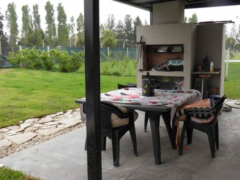 mao. muy buena casa de dos plantas en san gabriel, villanueva
