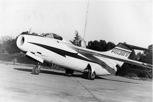 maqueta para armar de avión fma i.ae.33  pulqui ii  (1/72)