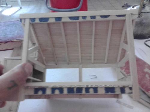 maquetas de madera a mano
