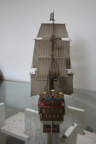 maquete navio pirata pérola negra fabric revell alemanha