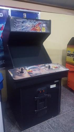 máquina arcade. tekken 4. operativa. detalles de uso