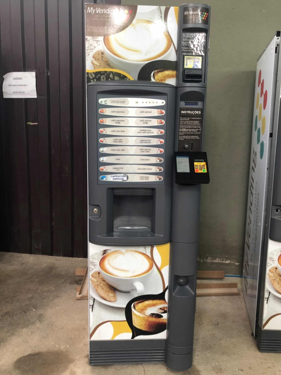 d4f76dad8e6 Maquina Automatica Combo . Refrigerante