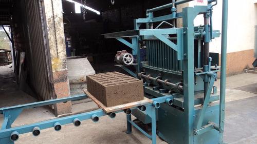 máquina bloquera para la elaboración de bloques y adoquin