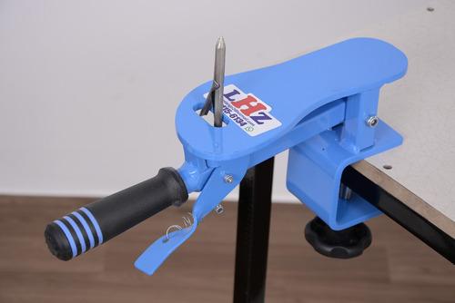 maquina chinelo manual.corta o par. com maquina estampa lhz
