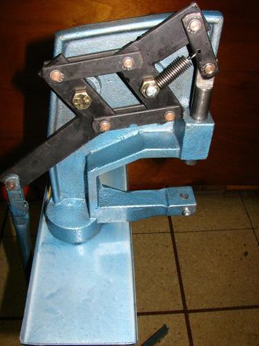 maquina colocar broches ojalillos etc. de pie reforzada