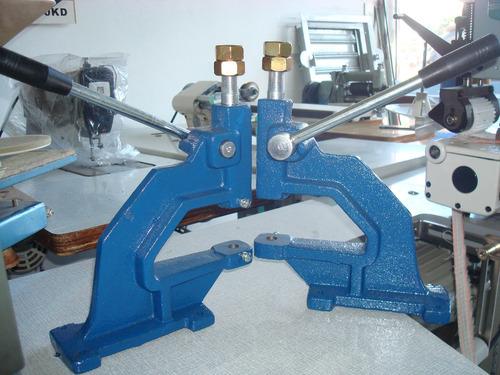 máquina colocar broches tachas ojalillos c/tope excelente