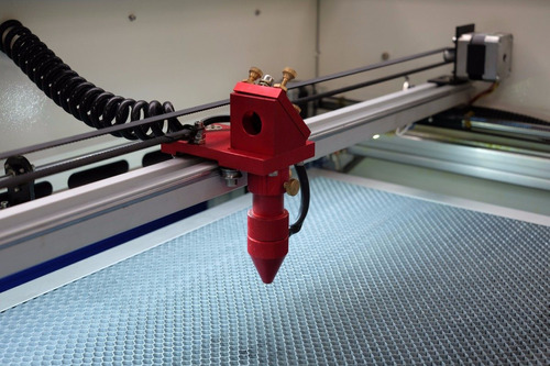 maquina corte laser cnc storm 600, 60w, + chiller e red dot.