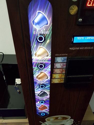 máquina de café em cápsulas