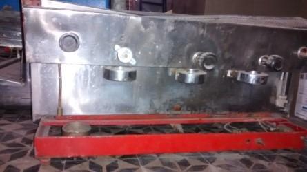 maquina de cafe express para reparar o sacar repuestos.