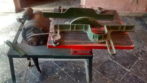 máquina de carpintería.