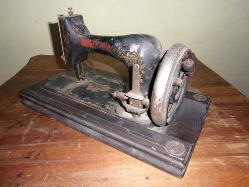 máquina de cocer antigua