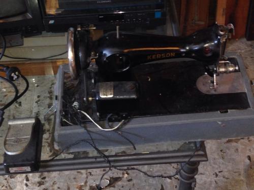 maquina de cocer exelente antigua reliquia