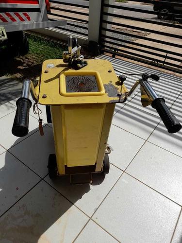 máquina de cortar piso