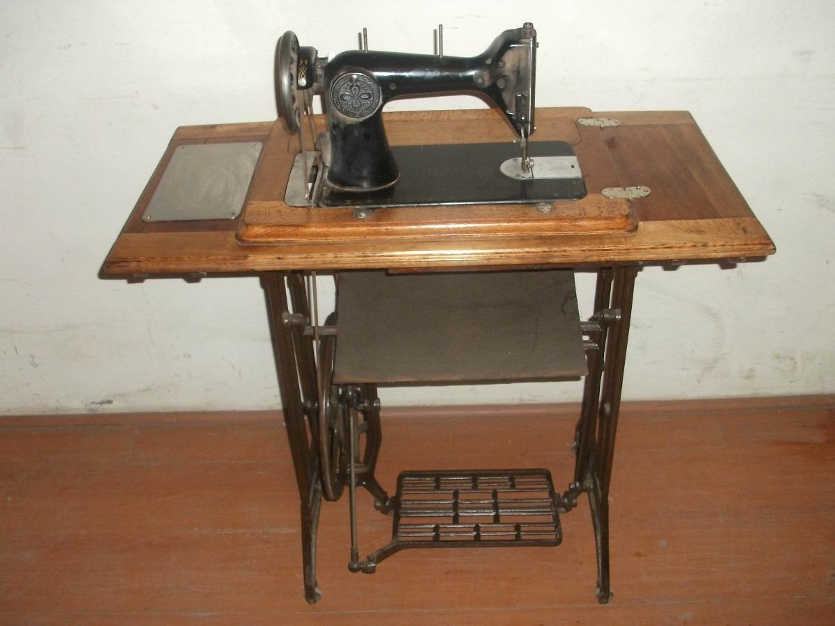 Maquina De Coser Antigua - $ 110.000 en Mercado Libre