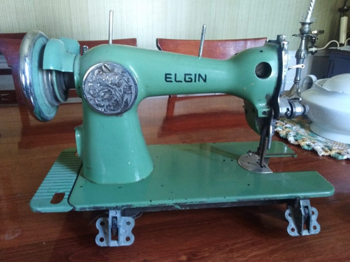 maquina de coser antigua elgin  para decoración o reparar