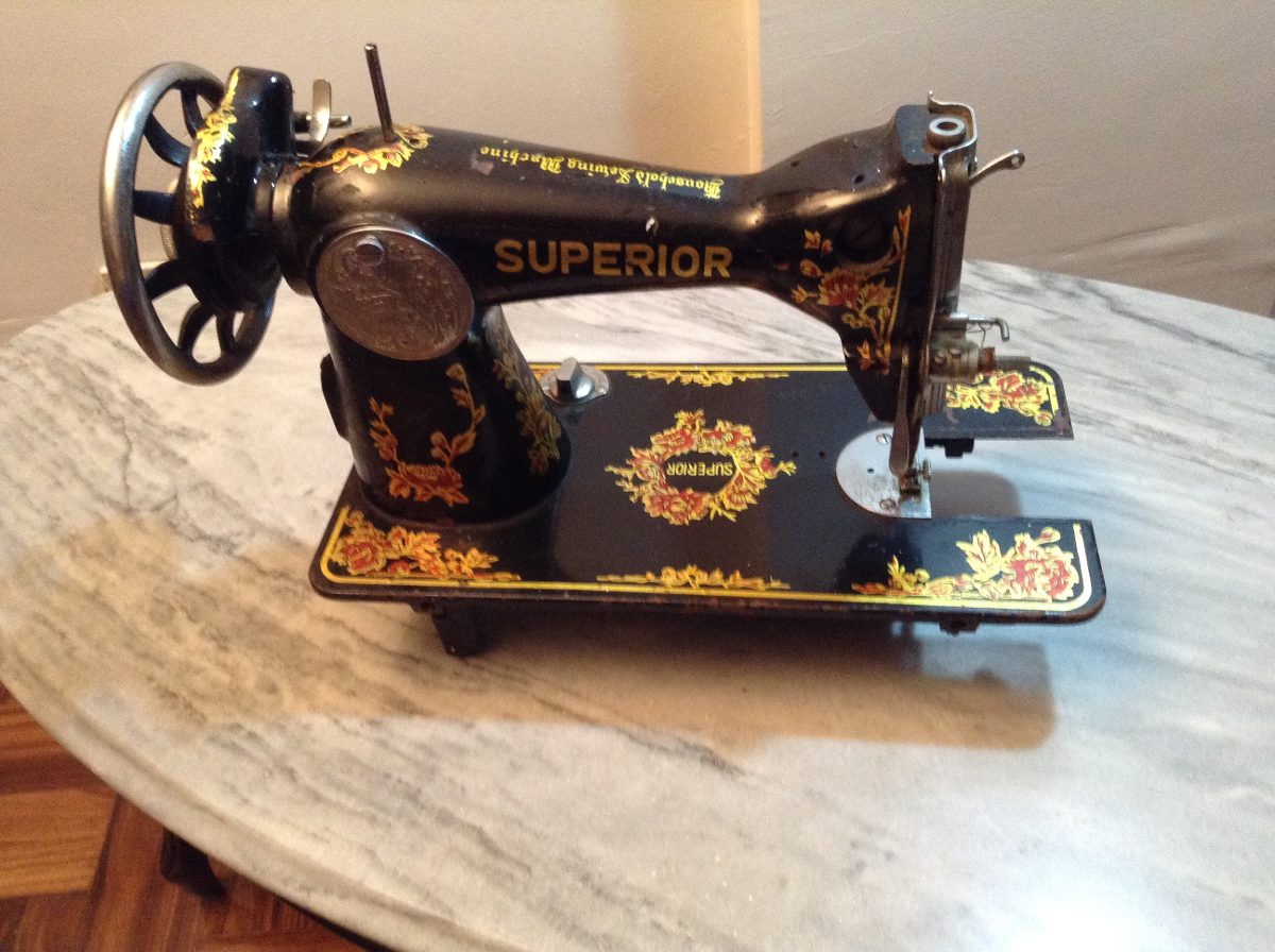 Maquina De Coser Antigua Manual Superior Regalosi