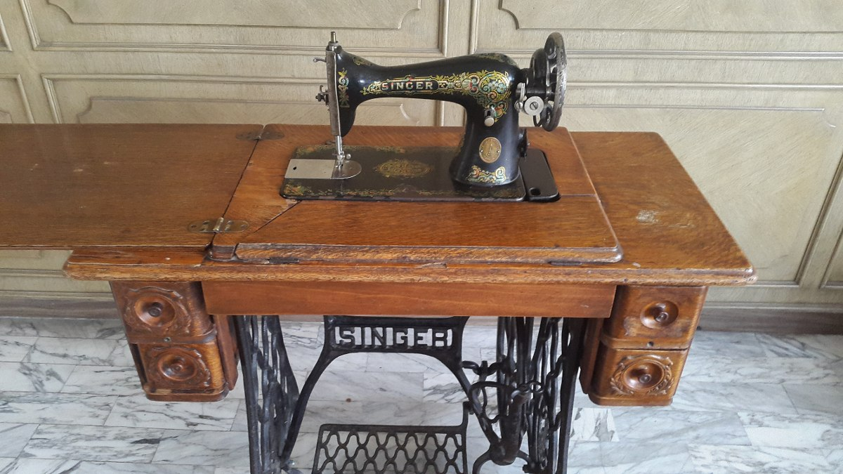 Máquina De Coser Antigua Singer Colección Vintage