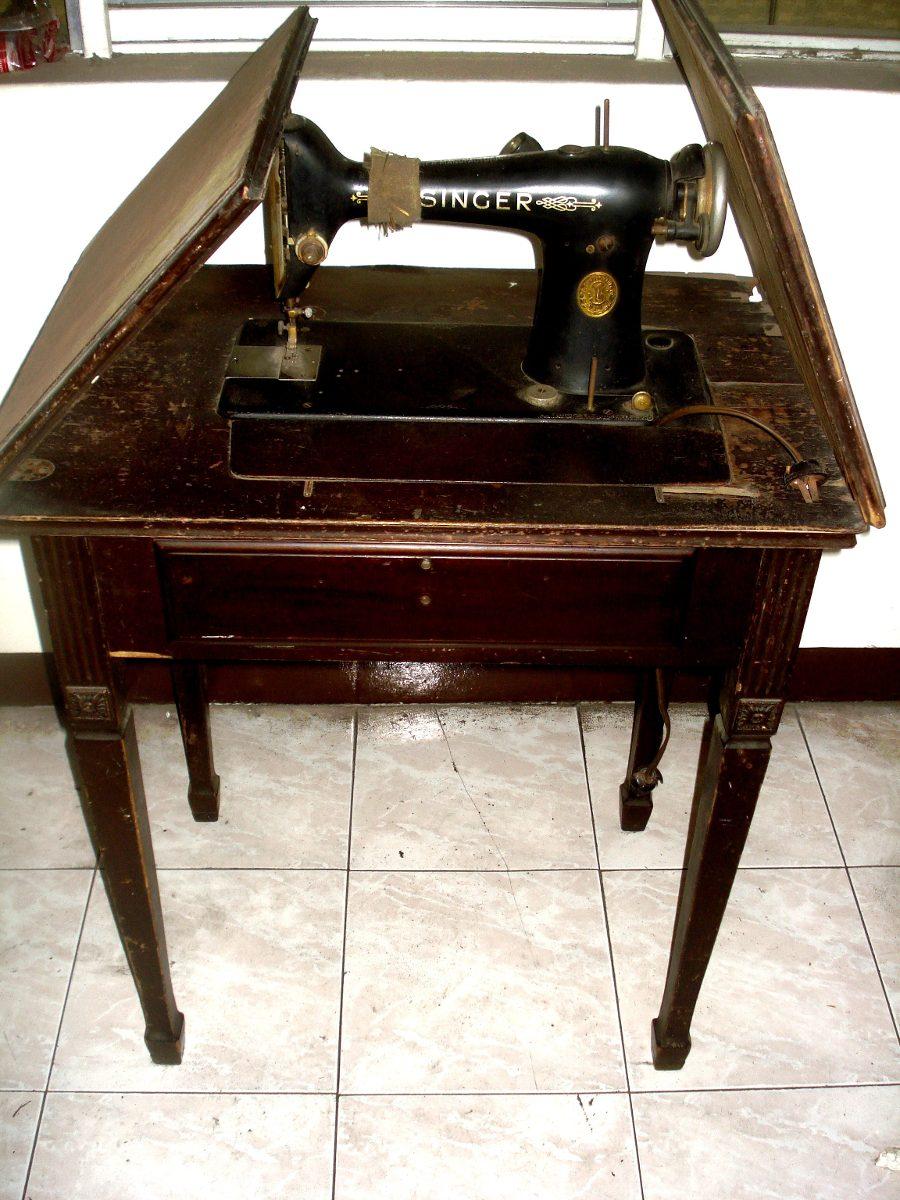 Maquina De Coser Antigua, Singer. Con Mueble - $ 400.000