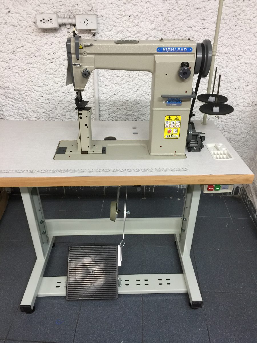 Maquina De Coser De Poste Una Aguja Con Rodaja Piel Vinyl