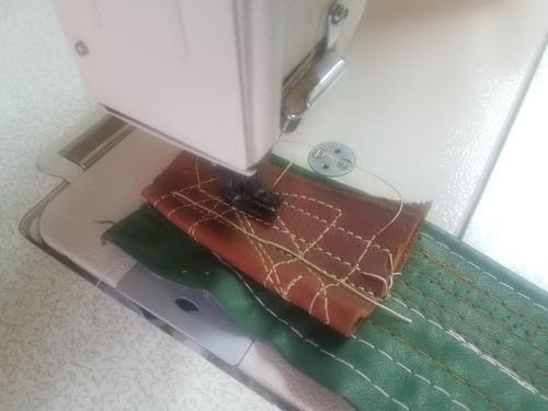 maquina de coser de tripletransporte
