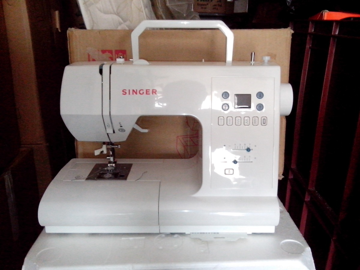 Maquina De Coser Digital Singer 7464 Usada Y Caja - $ 800