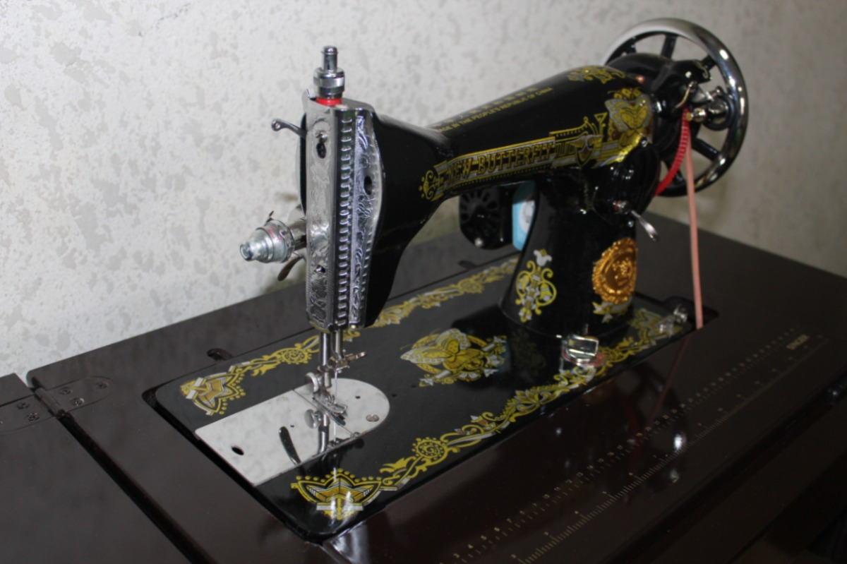 Maquina De Coser Domestica Costura Recta Nueva Con Motor