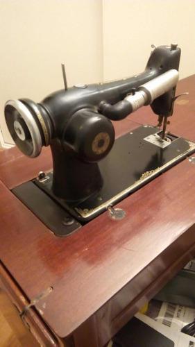 Máquina De Coser Eléctrica Singer Antigua - $ 5,250.00 en