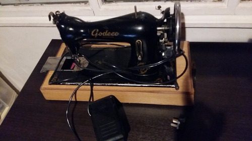 maquina de coser godeco eléctrica