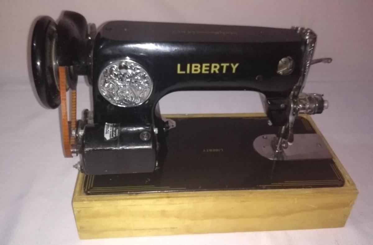 Maquina De Coser Liberty Negrita - $ 2,200.00 en Mercado Libre