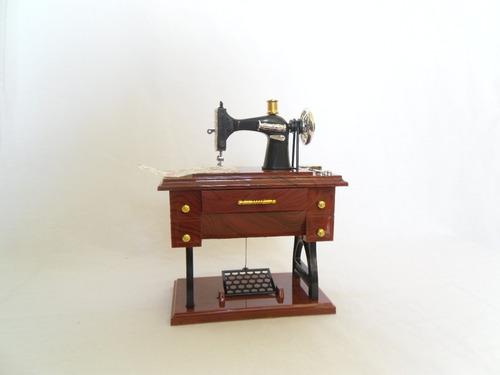 maquina de coser miniatura caja musical chica alhajero omm