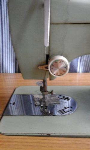 maquina de coser necchi con mueble
