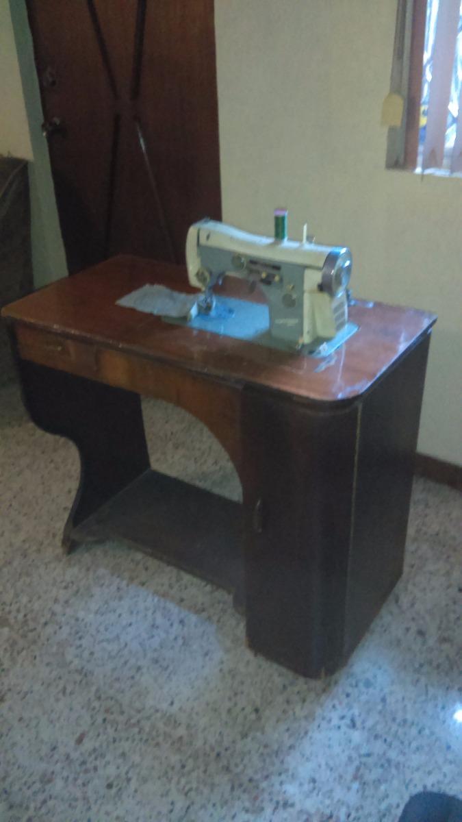 Maquina de coser necchi italiana con accesorios y mueble - Maquinas de coser con mueble ...