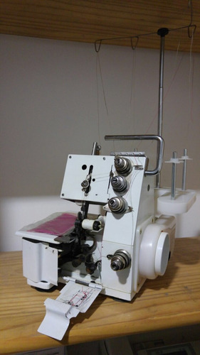 maquina de coser overlock / 4 hilos / nueva !!