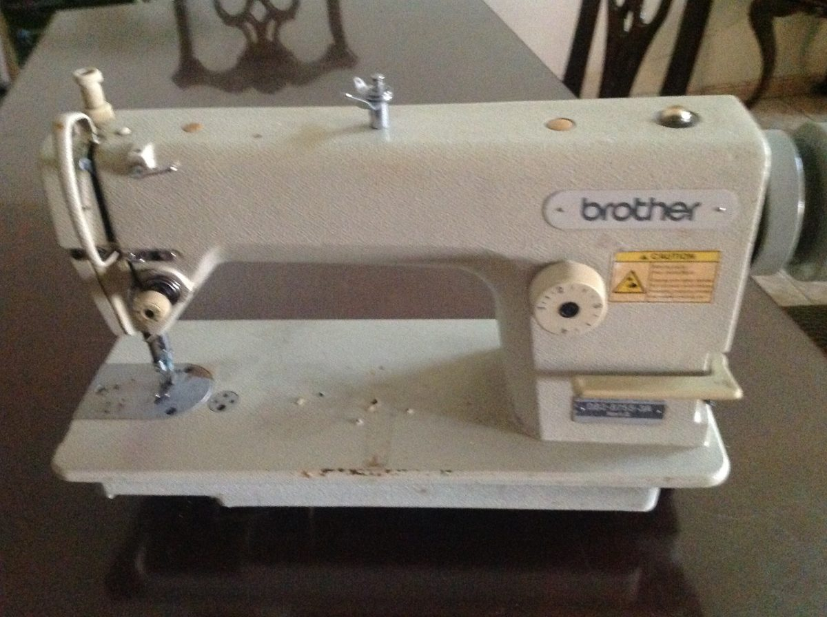 Maquina De Coser Recta Brother Seminueva - $ 7,500.00 en