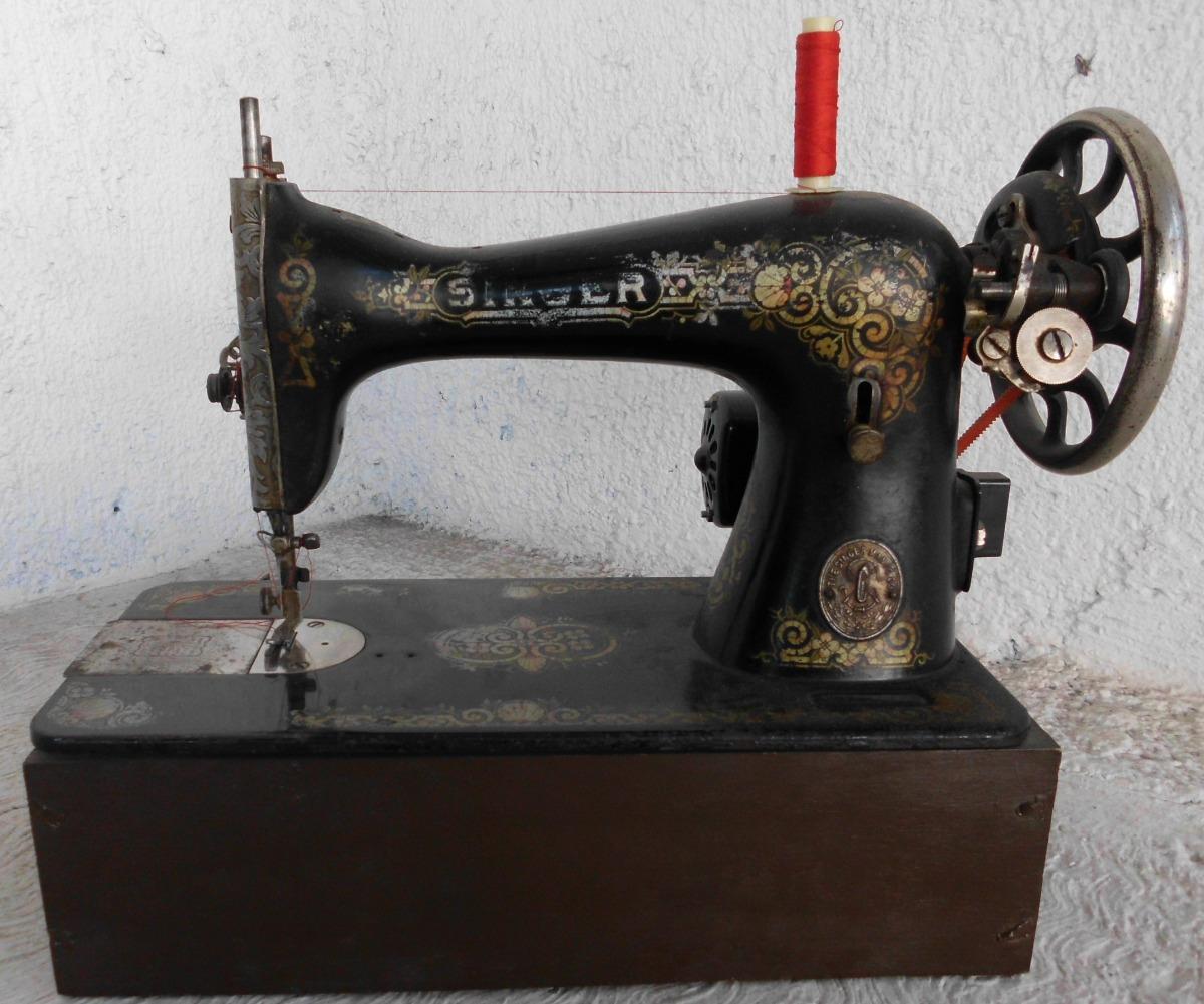 Maquina De Coser Singer Antigua - $ 25,000.00 en Mercado Libre