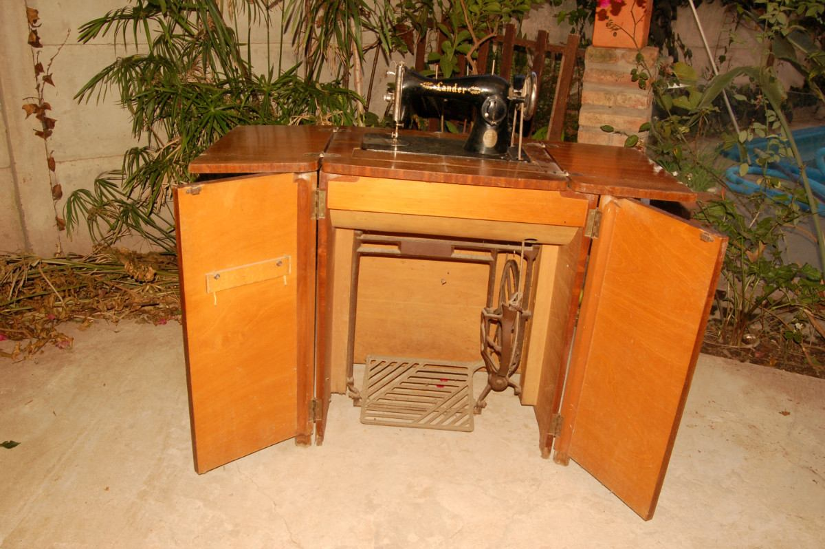 Muebles De Maquinas De Coser Antiguas Free Vendo Maquina De Coser  # Muebles Maquina De Coser Segunda Mano