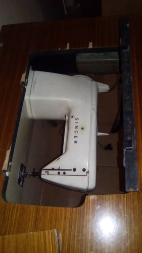 maquina de coser singer con mueble. mod.650 y accesorios