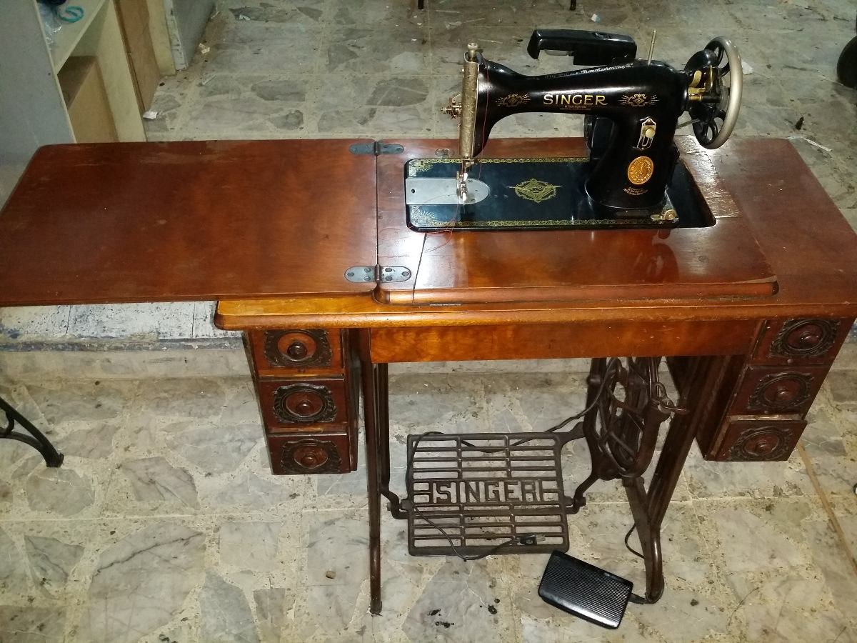 Máquina De Coser Singer Familiar Antigua - $ 2,900.00 en