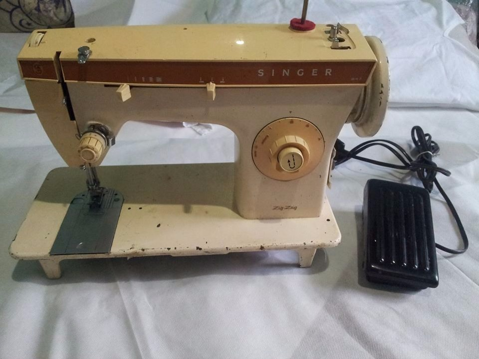 Maquina De Coser Singer Modelo: 247 Zig Zag - Bs. 60,00 en